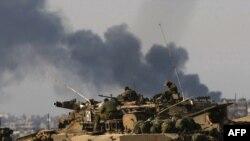 Израильская бронетехника у границы сектора Газа