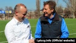 Генеральный директор клуба «Таврия» Алексей Кручер (п) и главный тренер клуба «Таврия» Сергей Шевченко (л)