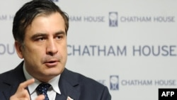 Georgian President Mikheil Saakashvili said in London that potential French arms sales to Russia could put eastern European countries at increased risk