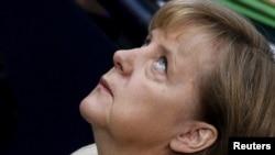 Германия канцлери Ангела Меркел Бундестагдагы добуш берүүнүн алдында, Берлин, 29-сентябрь, 2011-жыл