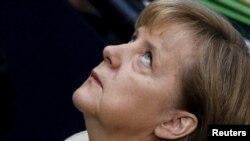 Kansler Angela Merkel Berlinde parlamentiň aşaky öýünde, 29-njy sentýabr.