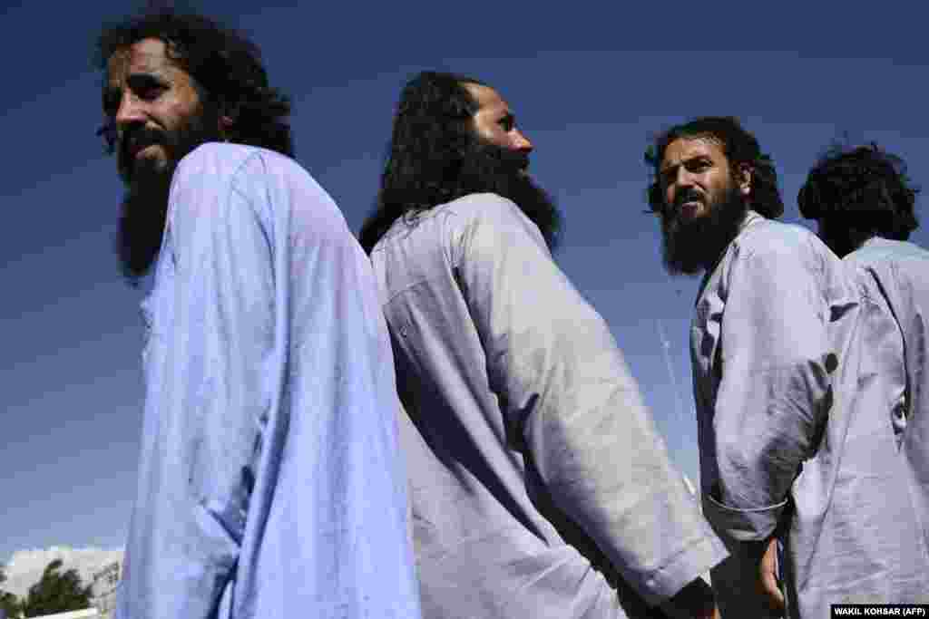 Taliban prisoners during their release from Bagram prison on May 25.
