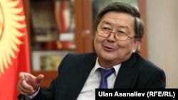 Премьер-министр Жантөрө Сатыбалдиев. Бишкек,10-декабрь, 2013-жыл.