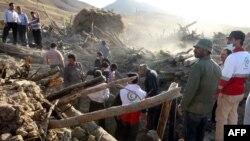 На месте землетрясения в Иране. 12 августа 2012 г