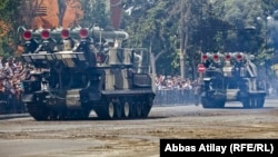 Ադրբեջանի բանակի զինտեխնիկան ցուցադրվում է Բաքվում անցկացվող զորահանդեսի ժամանակ, հունիս, 2013թ․