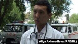 Врач Руслан Бидахметулы. Карабулак, Алматинская область, 22 июля 2011 года.