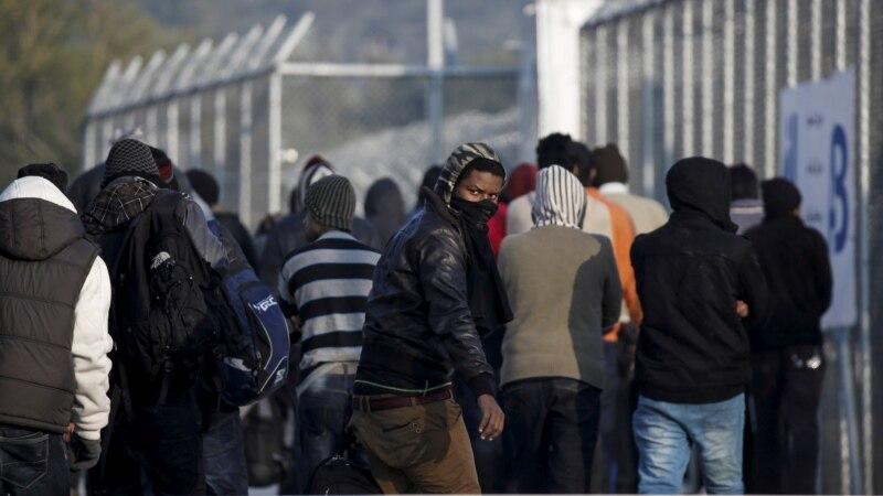 Грчката полиција уапсила две лица за транспорт на мигранти