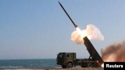 Sjeverna Koreja ispaljuje raketu