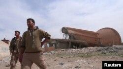 Бійці «Сирійських демократичних сил» на сході Ракки, Сирія, весна 2017 року