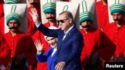R.T.Erdoğan İstanbulda tərəfdarı qarşısında-2016