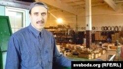 Павал Севярынец на хіміі. Вёска Куплін