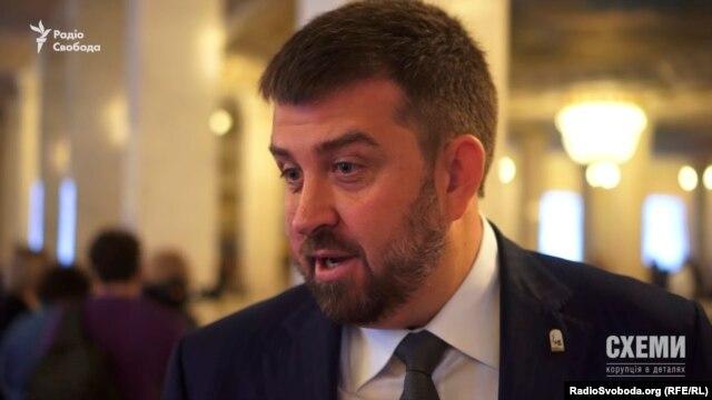 Народний депутат від Блоку Петра Порошенка Олег Недава дивується, що його прізвище звучить в контексті державного заводу «Артемсіль»