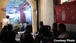 На слушания по общественно-политической ситуации в стране были приглашены представители политических партий и общественных движений