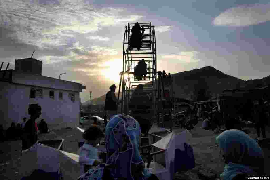 Дзеці ў Кабуле.