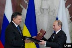 Виктор Янукович и Владимир Путин на переговорах 17 декабря 2013 года