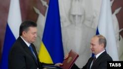 Viktor Yanukovich dhe Vladimir Putin.