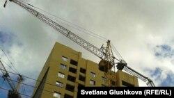 Астанадағы құрылыстардың бірі. (Көрнекі сурет)