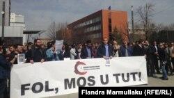 Pamje nga protesta e sotme e gazetarëve në Prishtinë