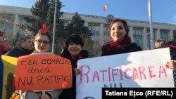 18 decembrie 2019, Chișinău: demonstrație pentru ratificarea Convenție de la Istanbul împotriva violenței la adresa femeilor.