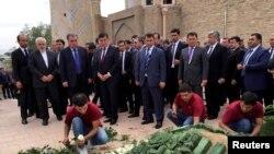 Президент Таджикистана Эмомали Рахмон на похоронах Ислама Каримова. Самарканд, 2 сентября 2016 года.