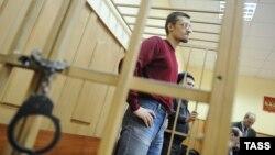 Ярослав Белоусов, обвиняемый по делу о беспорядках на Болотной площади, в Басманном суде в марте 2013