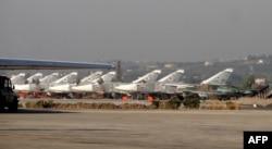 Российские самолеты на авиабазе Хмеймим в Сирии