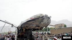 اتوبوس مسافربری پس از تصادف، شهر چوار، استان ايلام
