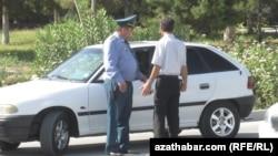 Türkmənistanda polis, arxiv foto