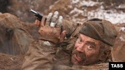 «Утомленные солнцем 2» фильмінен көрініс. Басты рөлде ойнаған актер әрі фильмнің режиссеры Никита Михалков.