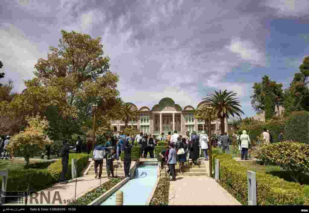 باغ ایرانی - استانهای فارس، مازندران، اصفهان، کرمان، یزد، خراسان. تاریخ ثبت: ۲۰۱۱