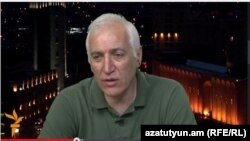Экономист Ваагн Хачатрян в студии «Азатутюн ТВ», 31 мая 2015 г.