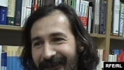 Moldova -- Emilian Galaicu Păun, writer and RFE correspondent, Chișinău, 2009