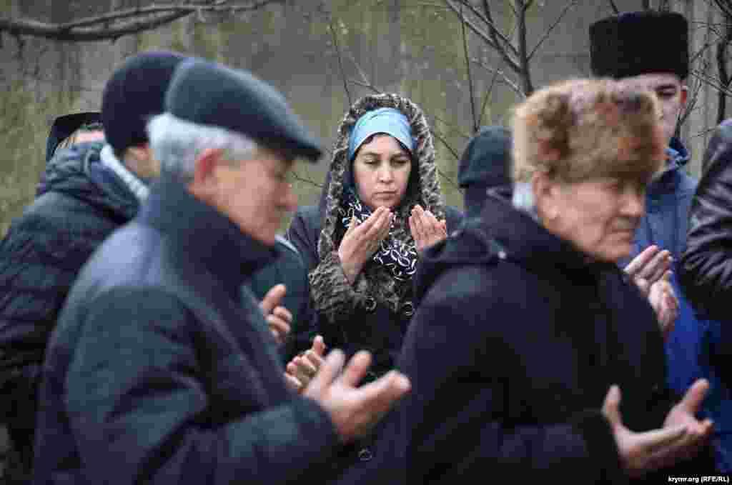 Жена Исы Джемилева Нияра.