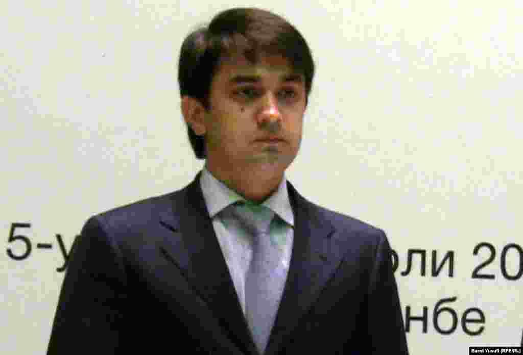 Рустам Эмомали, президент футбольной ассоциации Таджикистана. Старший сын президента таджикского государства.