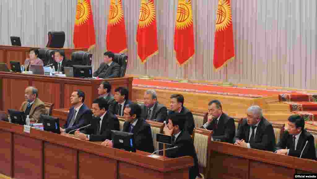Утверждение нового кабинета министров в парламенте, 23 декабря.