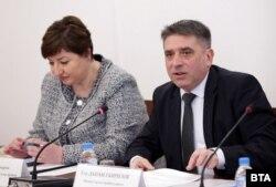 Председателката на правната комисия Анна Александрова и Данаил Кирилов на обсъждането на конепцията за наказателна политика в четвъртък