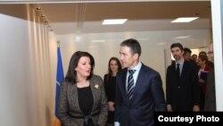 Presidentja Atifete Jahjaga u takua me Sekretarin e Përgjithshëm të NATO-së, Anders Fogh Rasmussen, Bruksel