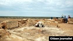 Арехологи на раскопках в Казахстане. Иллюстративное фото.