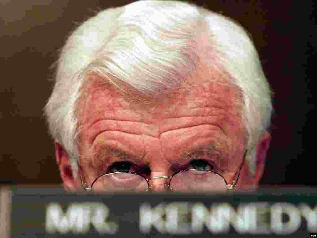 Умер американский сенатор Эдвард Кеннеди. Брат бывшего президента США Джона Кеннеди