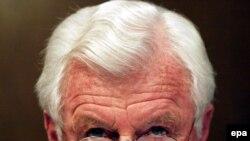 Эдварда Кеннеди избирали сенатором семь раз