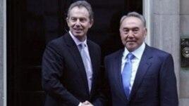 Блэр Назарбаевқа Жаңаөзен туралы не деуді үйреткен