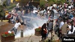 Разгон демонстрантов в Стамбуле, 31 мая 2013 г