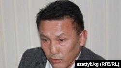 Эдьдар Мадылбековтің әкесі, Қырғызстан парламентінің депутаты, коррупциямен күрес комитетінің жетекшісі Туратбек Мадылбеков.