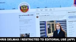 Imaginea Mariei Butina pe un tweet al Ambasadei Rusiei la Washington