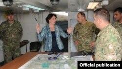 Минобороны Грузии не будет призывать граждан – таково решение министра Тины Хидашели. При этом она заявила, что в случае несогласия следующий министр сможет его отменить