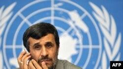 Ахмадинеџад во Женева