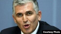 Косовскиот министер за внатрешни работи Бајрам Реџепи