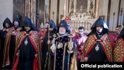 Armenia - Catholicos Garegin II leads a requiem service for the victims of the terrorist attacks in Paris, Echmiadzin, 15Nov2015.