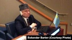 Эскендер Бариев на сессии Постоянного форума ООН по вопросам коренных народов. Нью-Йорк, США