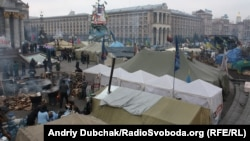 Палаточный лагерь протестующих в центре Киева. 14 февраля 2014 года.